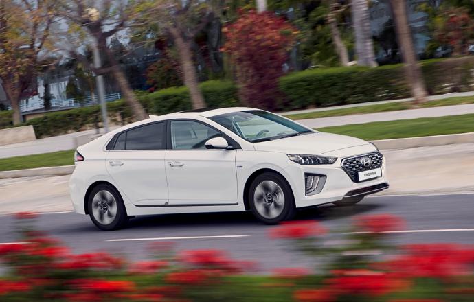 Hyundai IONIQ Hybrid vrijstaand