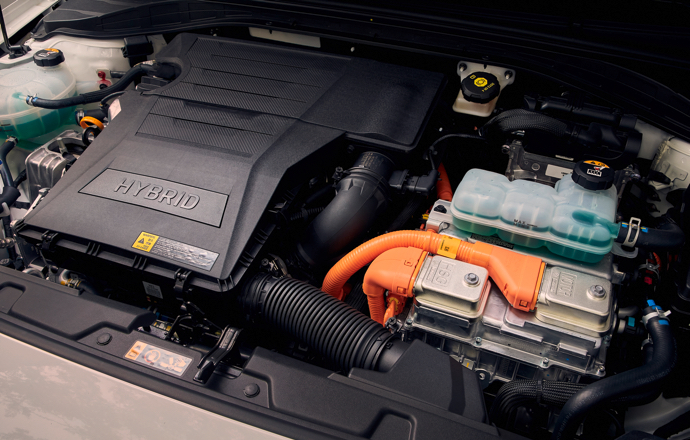 Hyundai IONIQ Hybrid rijdend