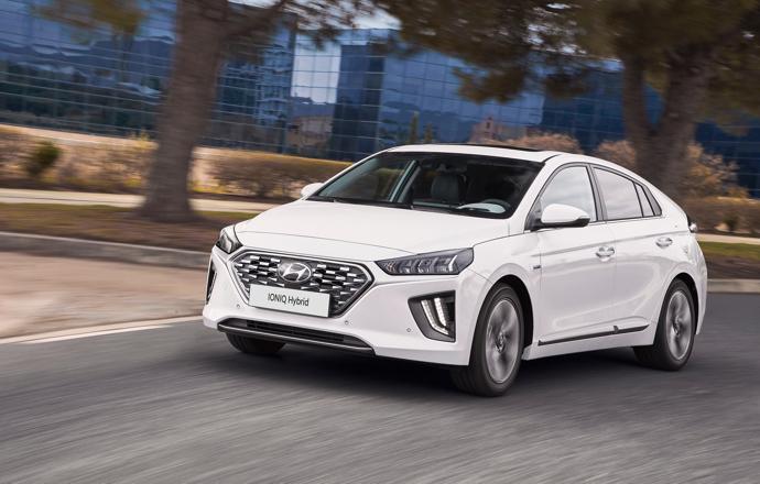 Hyundai IONIQ Hybrid lifestyle