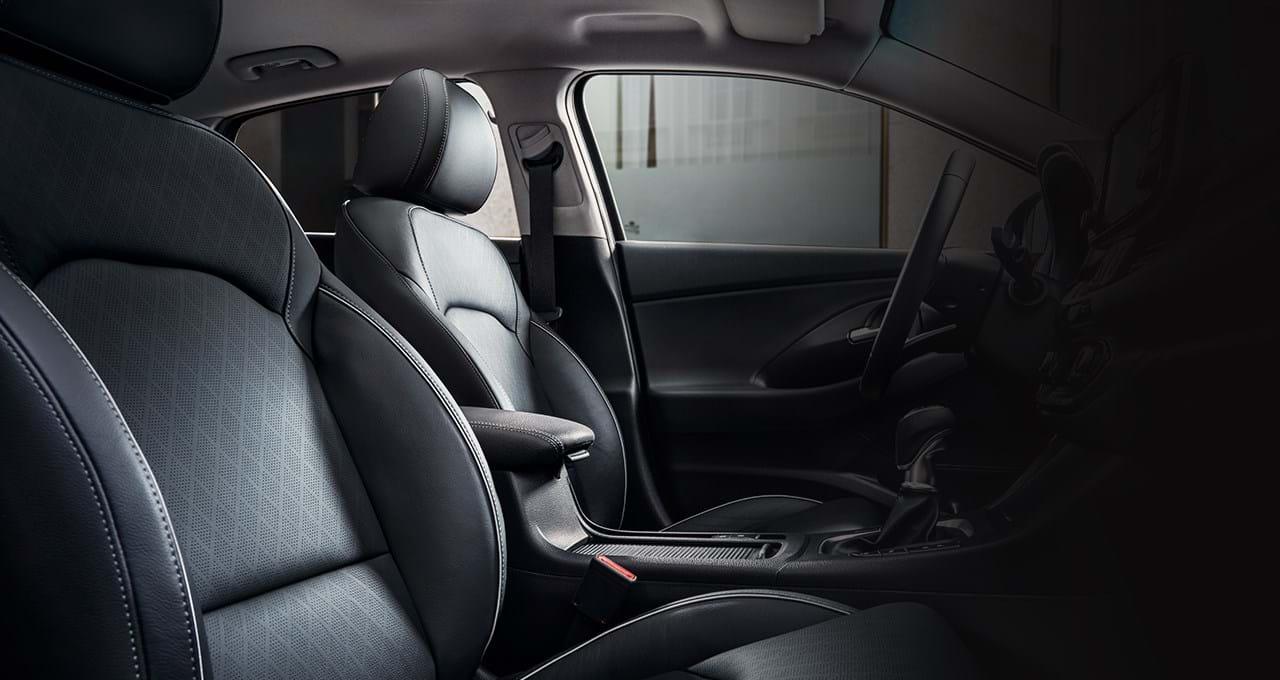 Interieur in kleur Zwart - i30 Fastback