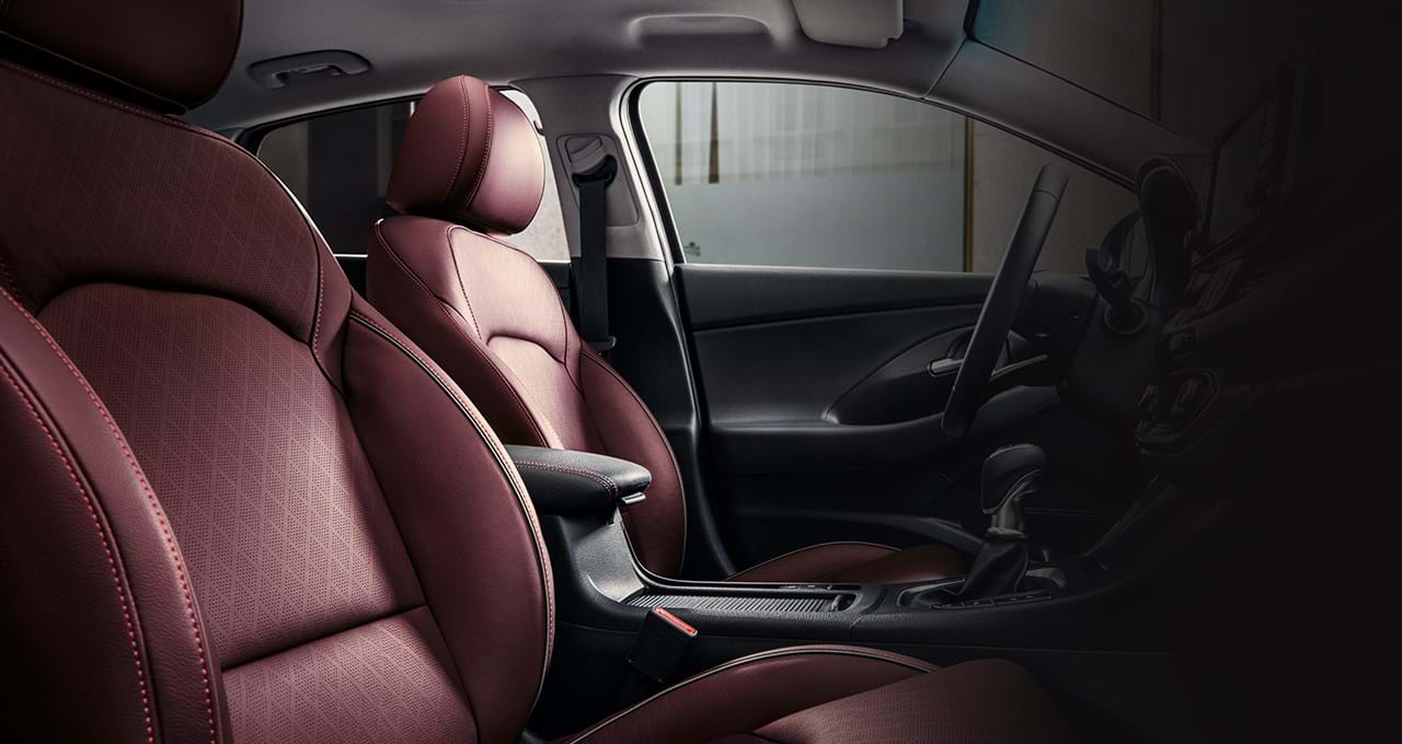 Interieur in kleur Merlot - i30 Fastback