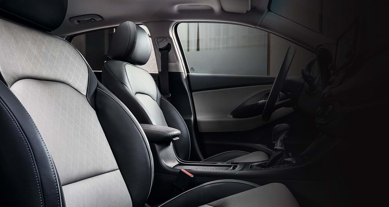 Interieur in 2-kleur Grijs-Zwart voor de i30 Fastback