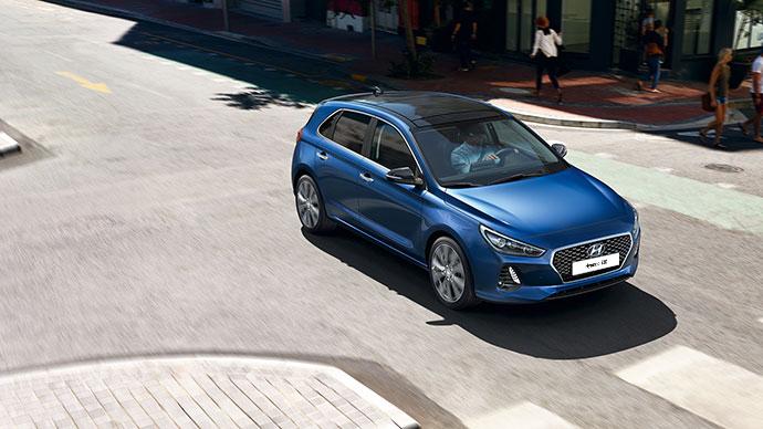 Hyundai i30 5-deurs rijdend